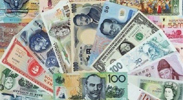 تراجع الدينار واستقرار الدولار